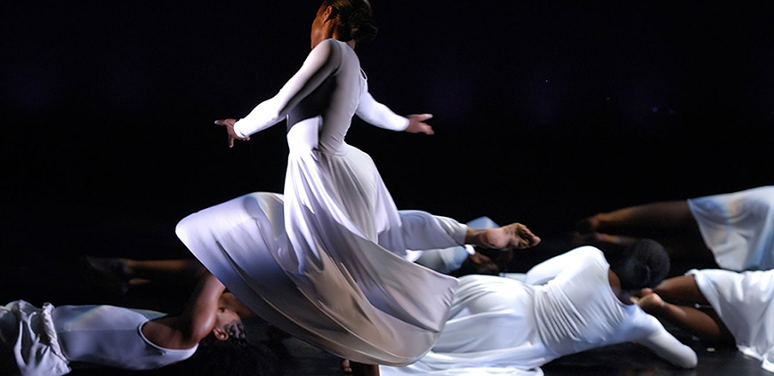 descriptive essays on dancing